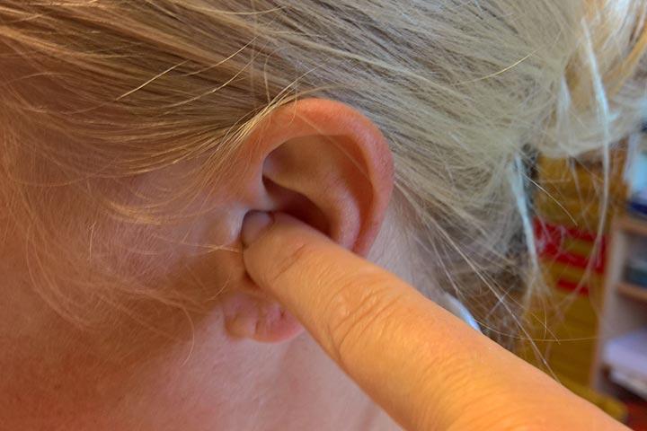 Ohren zu halten
