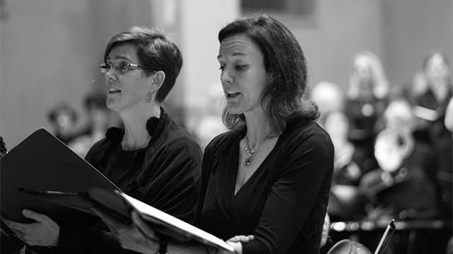 Frauen singen im Chor